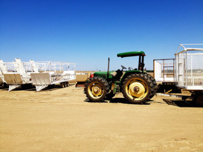 California-Mendota-traktor