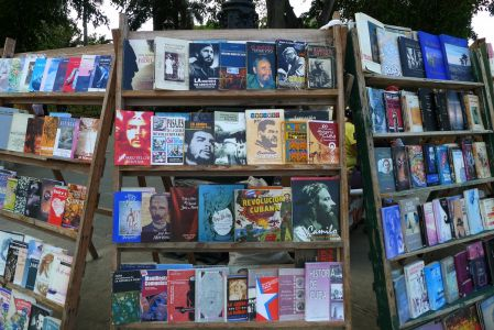 Cuba-Havana-books