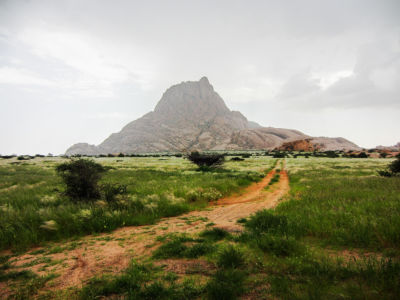 The imposing Spitzkoppe, rising over the plains, just over 1800 meters.