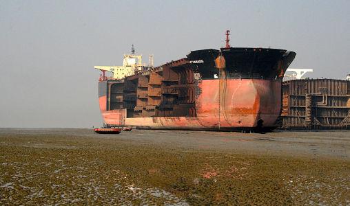Bangladesh-tanker-chittagong
