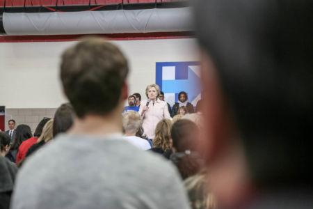 Clinton klämpar i Iowa